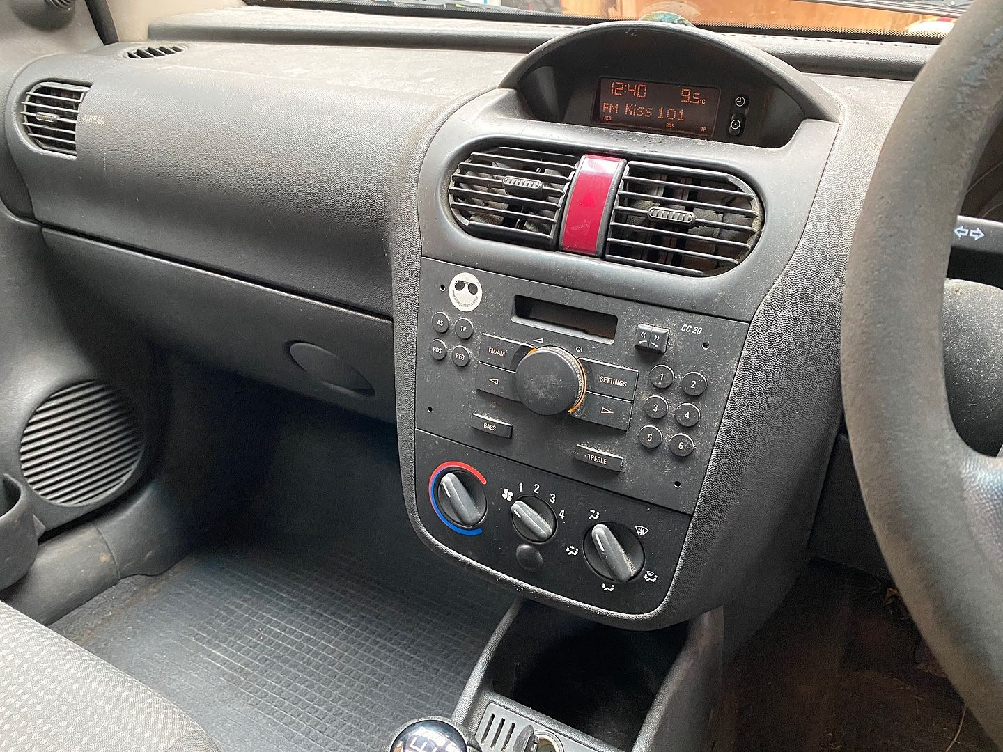 VAUXHALL Combo 1.3CDTi (2009) - Picture 10