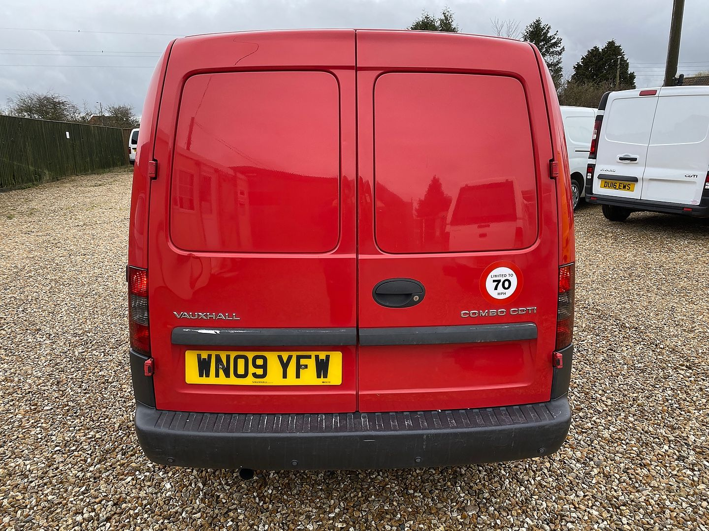 VAUXHALL Combo 1.3CDTi (2009) - Picture 5