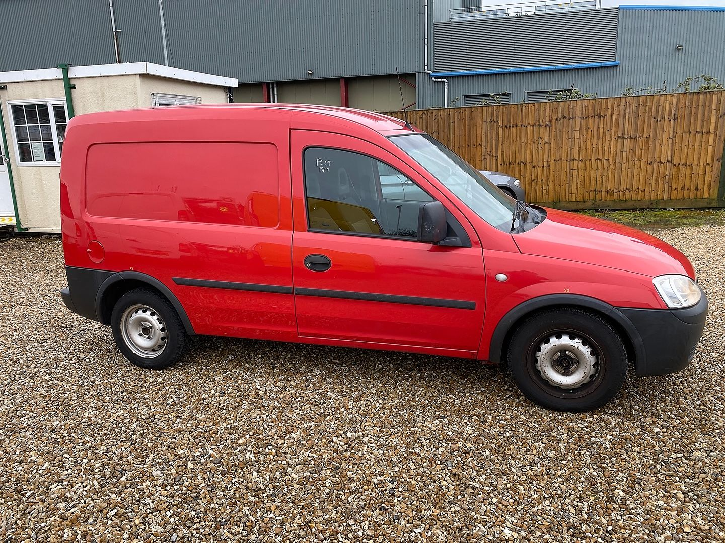 VAUXHALL Combo 1.3CDTi (2009) - Picture 7
